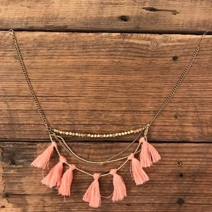 Jewelry - Gold tassel necklace from boutique